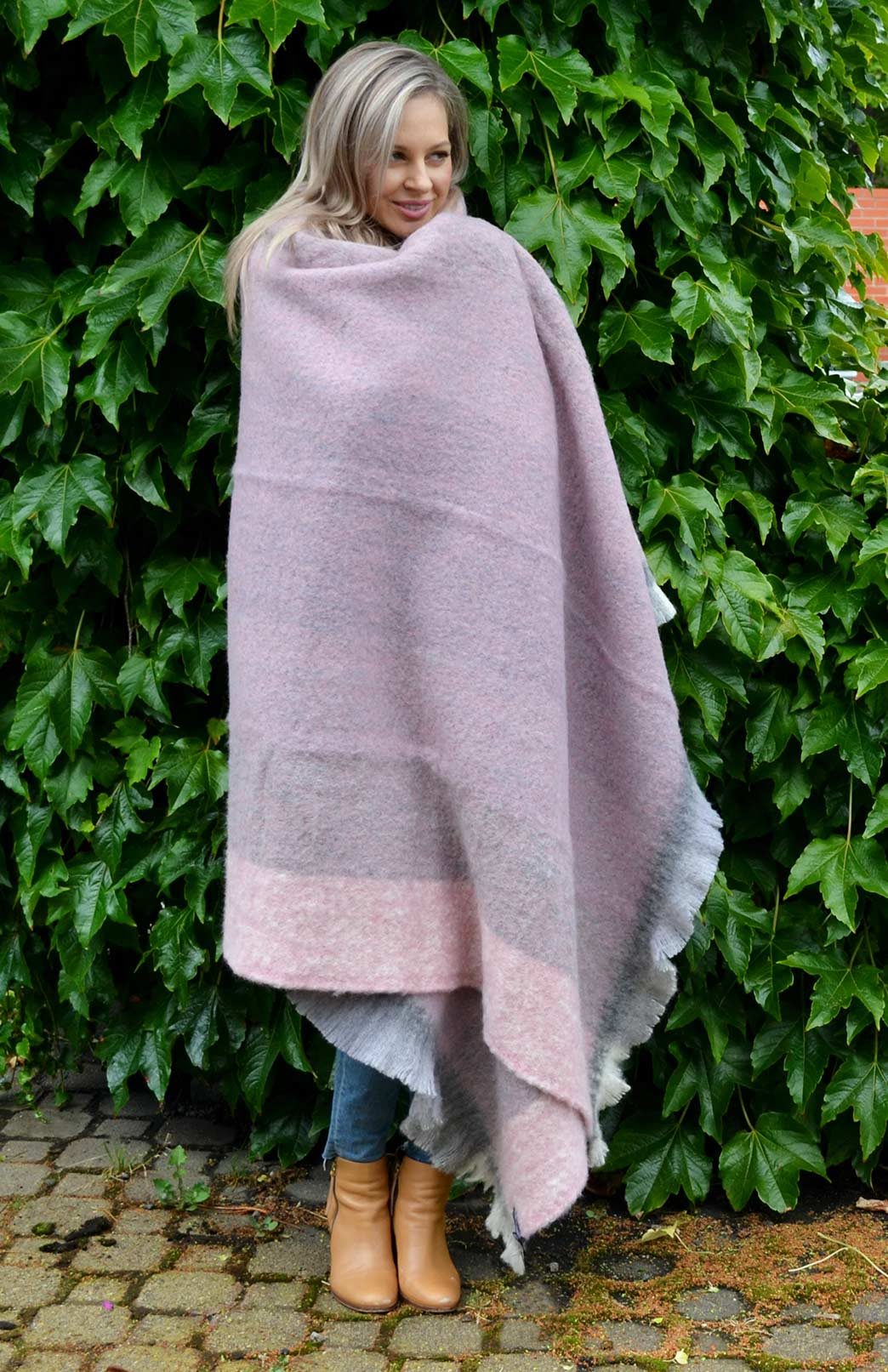 Alpaca Wool Throw Rug - Pure Alpaca Wool Throw Rug Winter Blanket - Smitten Merino Tasmania Australia