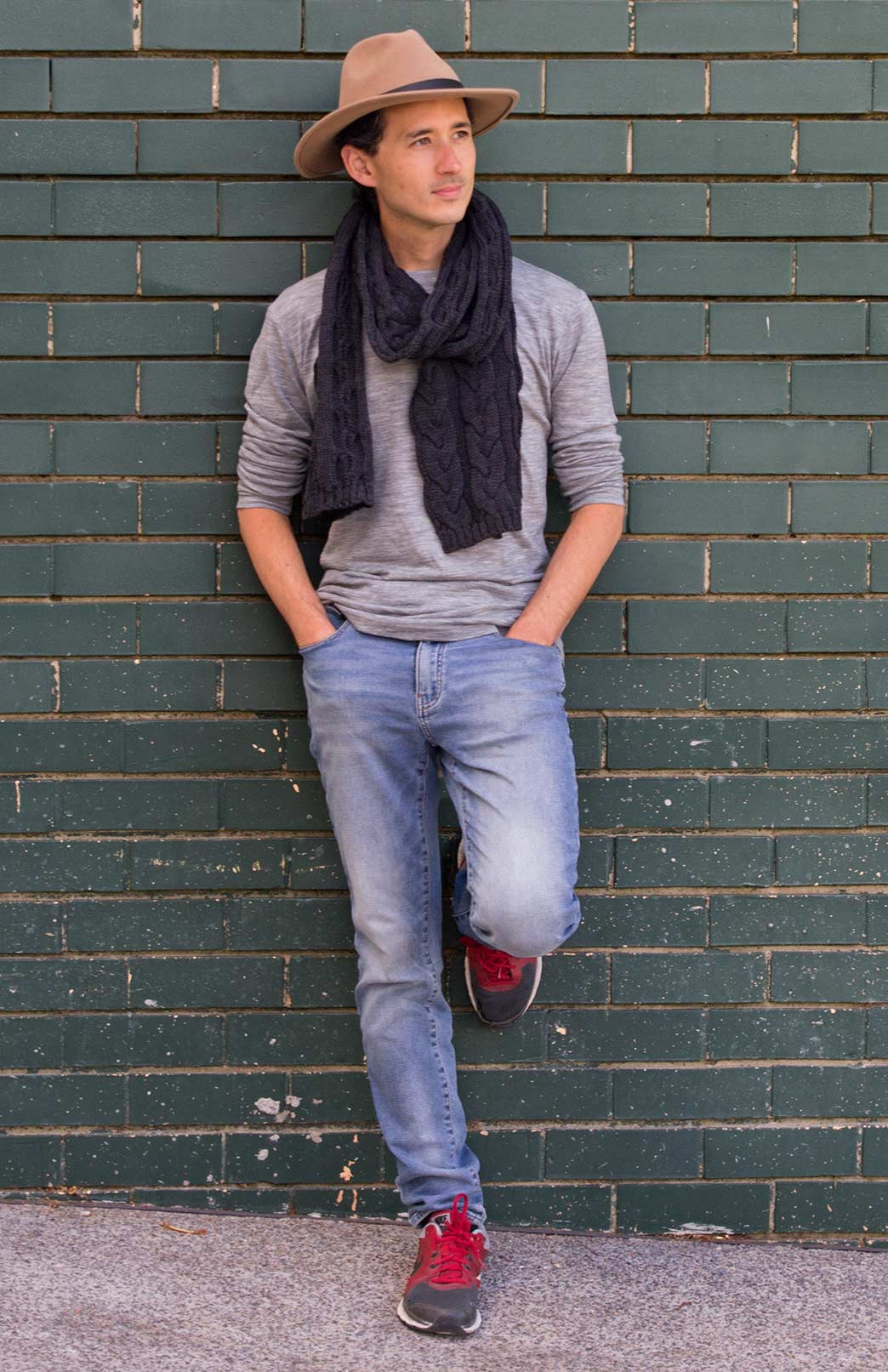 Men's Chunky Knit Cable Scarf - Men's Charcoal Grey Chunky Merino Wool Knit Scarf with Cable Detailing - Smitten Merino Tasmania Australia