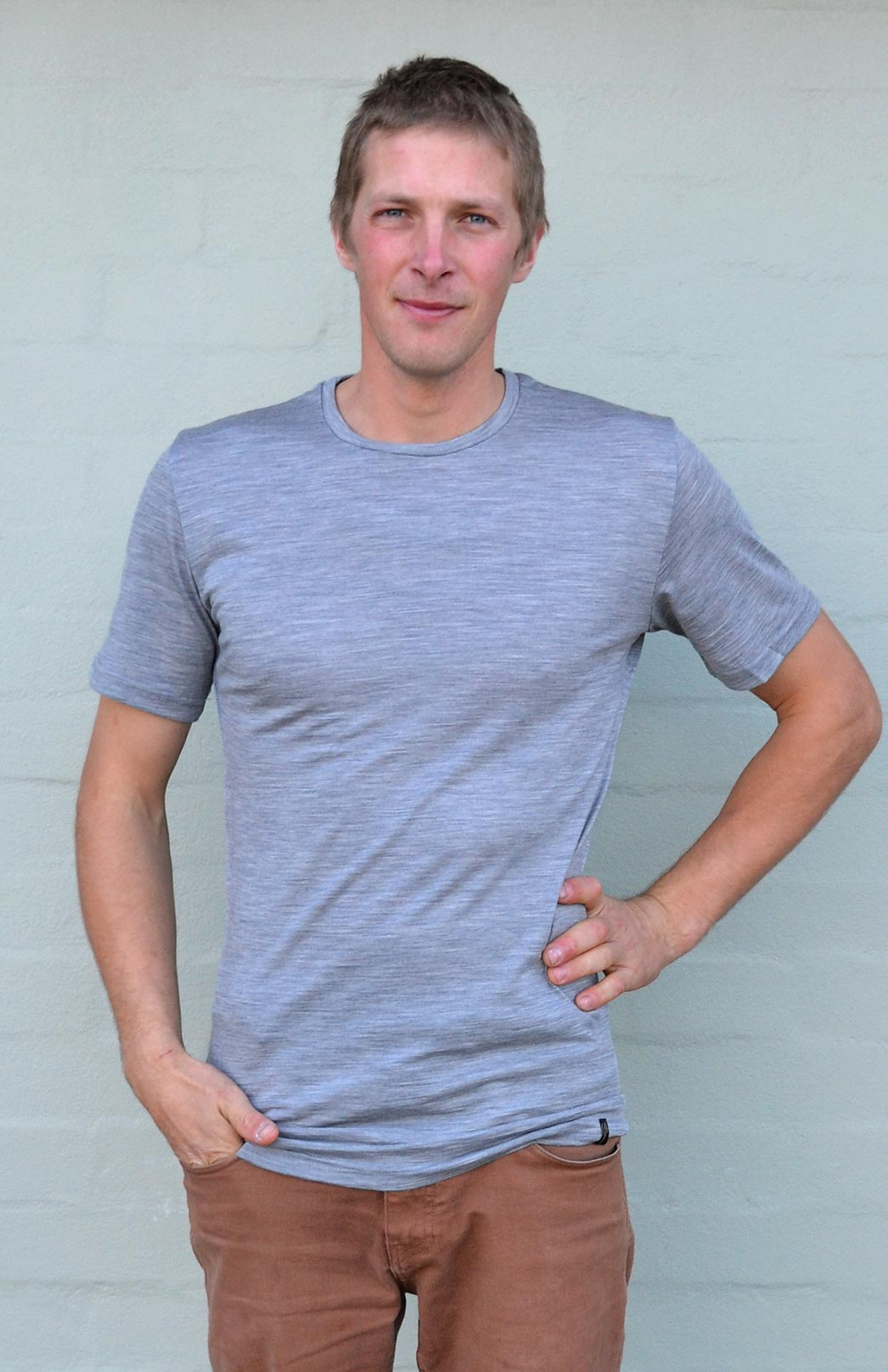 Short Sleeved Crew Neck Top - Lightweight (~170g) - Men's Light Grey Pure Merino Wool Lightweight Short Sleeved Thermal Top with Crew Neckline - Smitten Merino Tasmania Australia