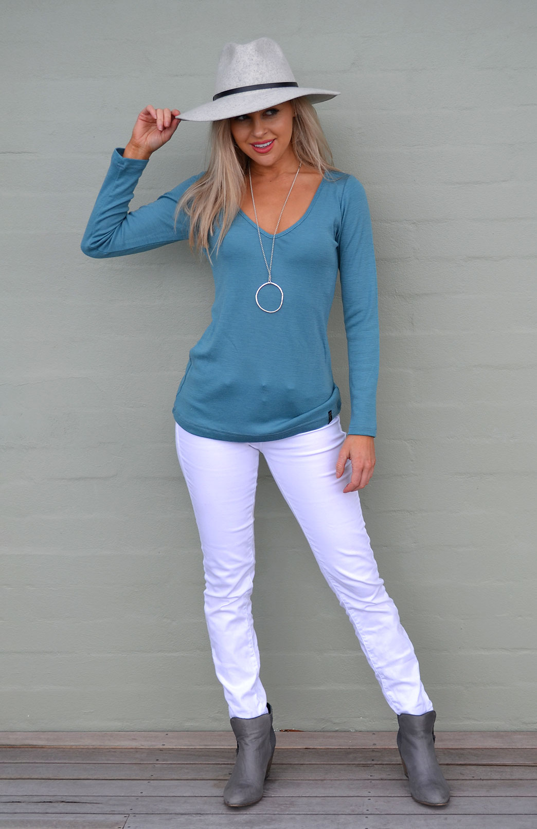 V-Neck Top - Women's Petrel V-Neck Long Sleeve Trans-Seasonal Wool Top - Smitten Merino Tasmania Australia