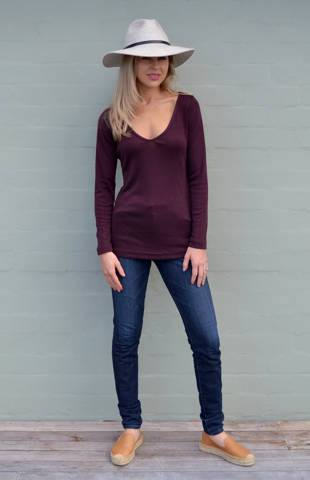 V-Neck Top (Rib) - Women's Raisin Purple Long Sleeved V-Neck Top - Smitten Merino Tasmania Australia