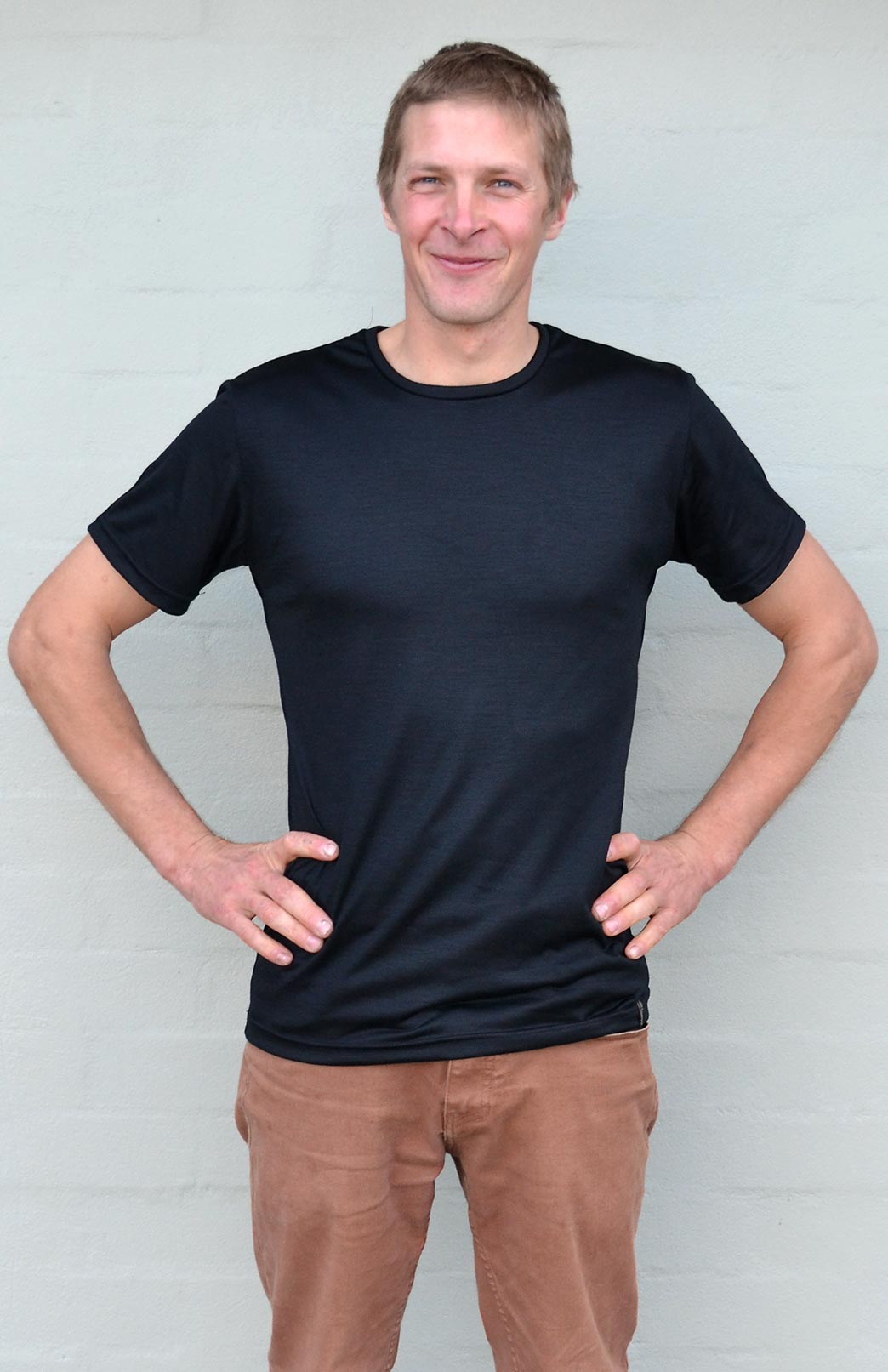Short Sleeved Crew Neck Top - Lightweight (~170g) - Men's Pure Merino Wool Lightweight Short Sleeved Thermal Top with Crew Neckline - Smitten Merino Tasmania Australia