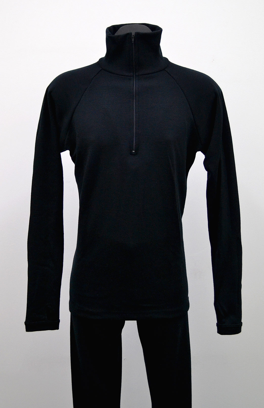 Zip Neck Top - Heavyweight (~360g) - Men's Pure Merino Wool Heavyweight Black Zip Neck Pull-Over Top with Thumb Holes for Bush Walking and Outdoor Sports - Smitten Merino Tasmania Australia