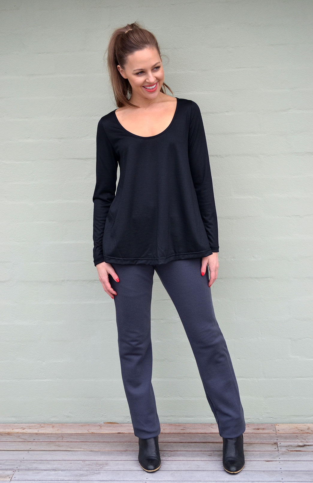 Swing Top - Women's Merino Wool Black Long Sleeved Swing Top - Smitten Merino Tasmania Australia