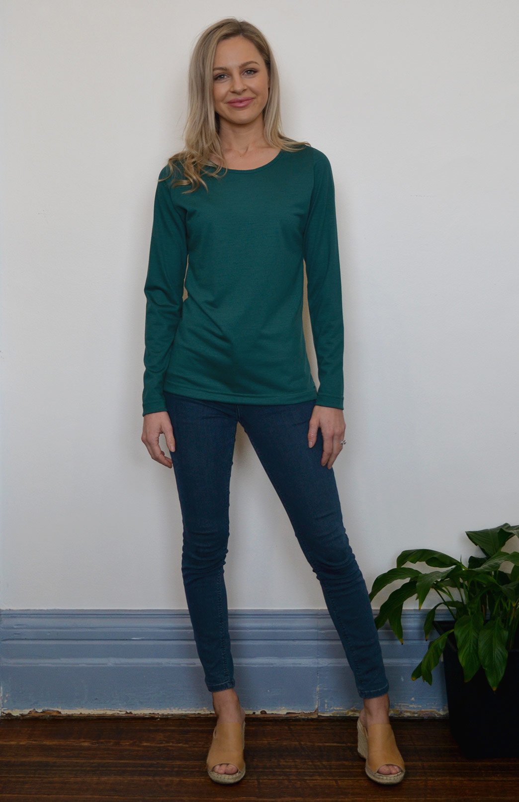 Round Neck Top (Plain) - Women's Lightweight Merino Wool Emerald Green Long Sleeved Round Neck Top - Smitten Merino Tasmania Australia