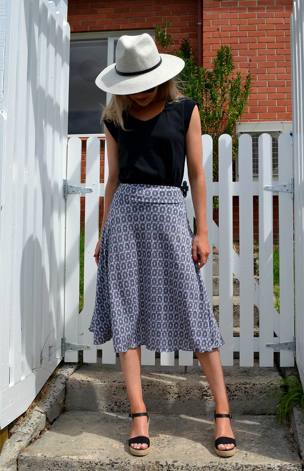 Twirl Skirt in Black and White Daisy
