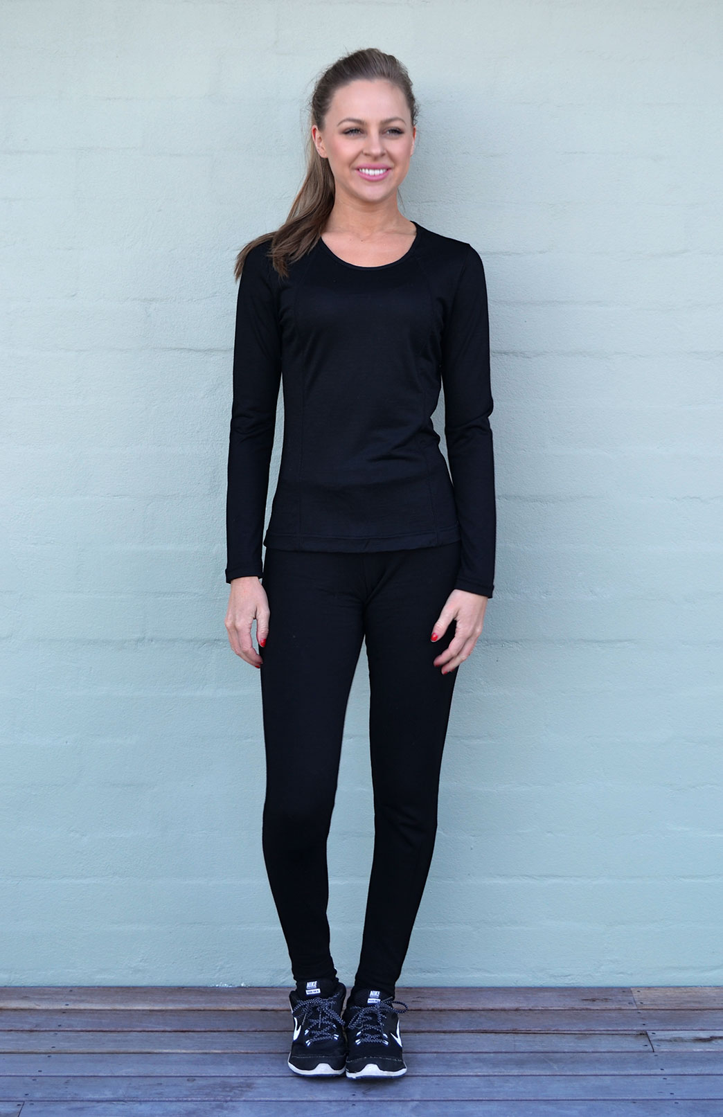 Active Top - Long Sleeved - Women's Black Merino Wool Long Sleeved Running Top - Smitten Merino Tasmania Australia