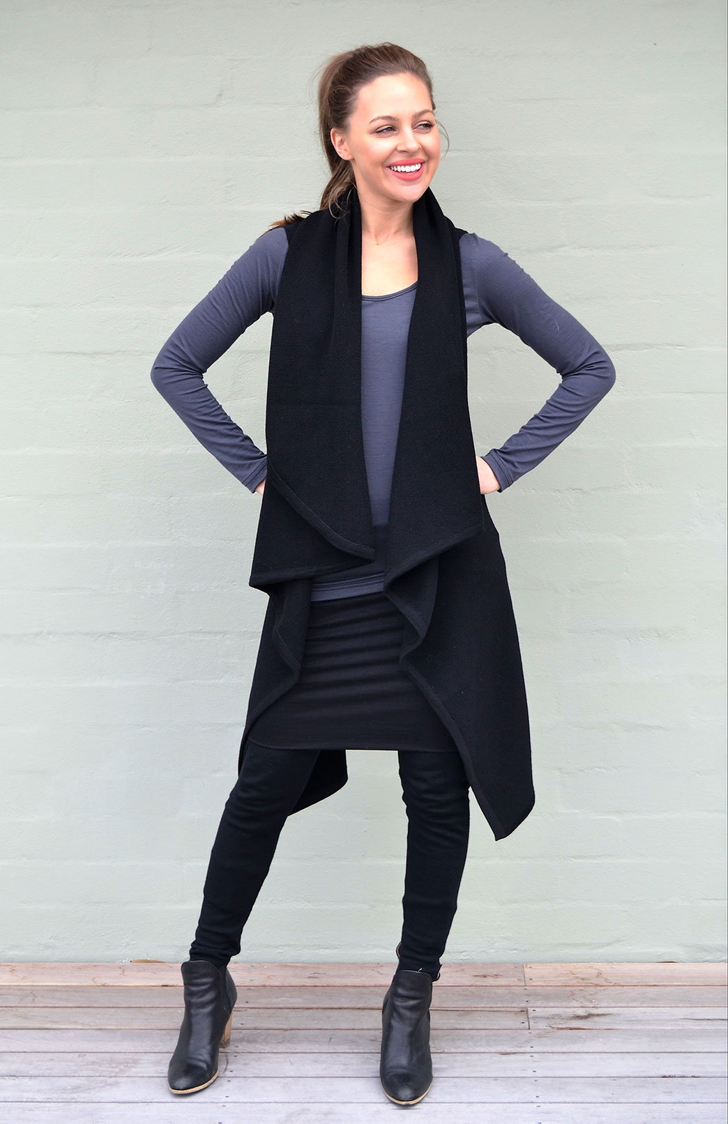 Chunky Merino Wool Sleeveless Wrap in Black
