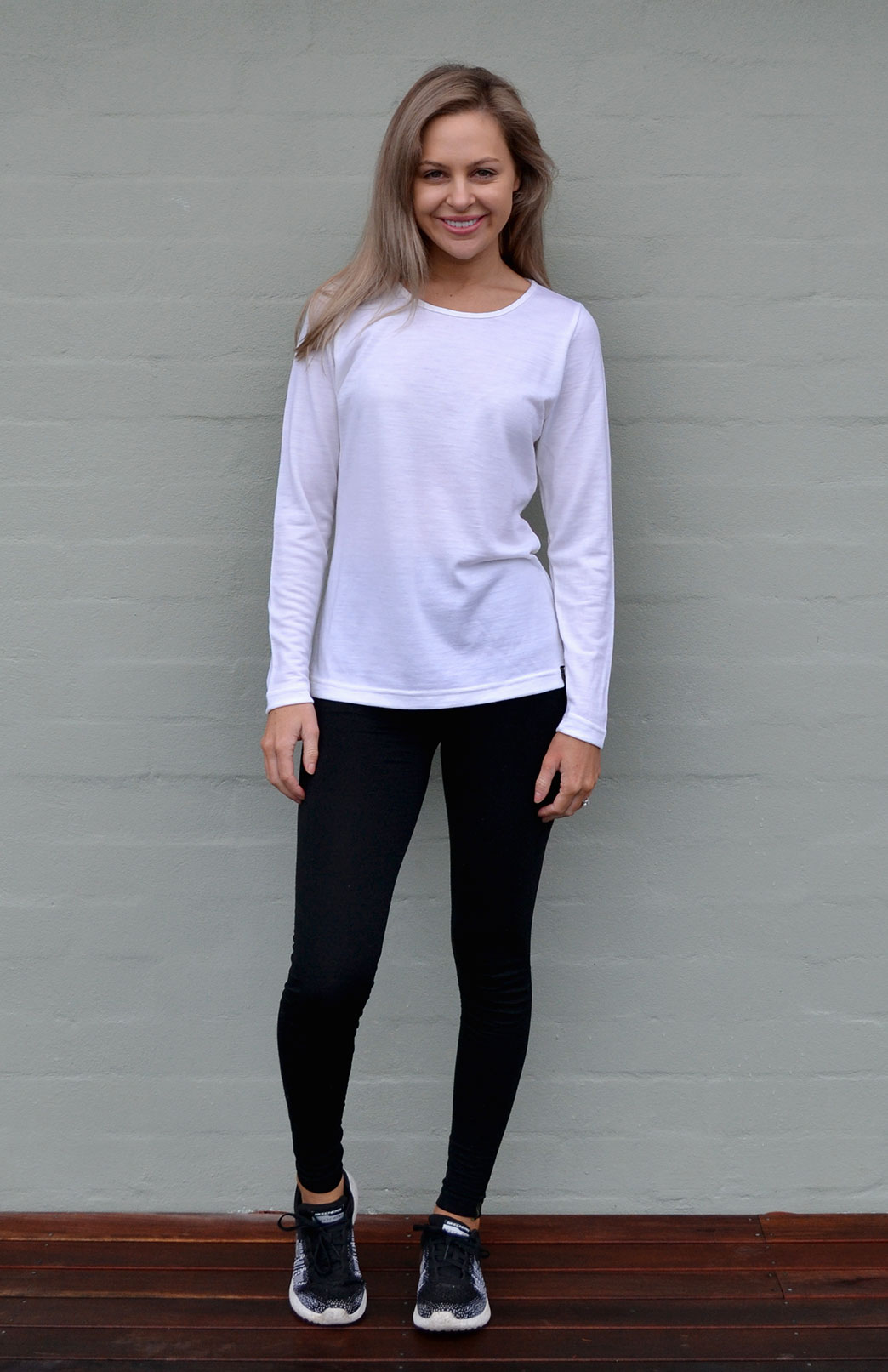 Round Neck Top - Active - Women's Plain Colour Outdoor and Activewear Round Neck Thermal Top - Smitten Merino Tasmania Australia