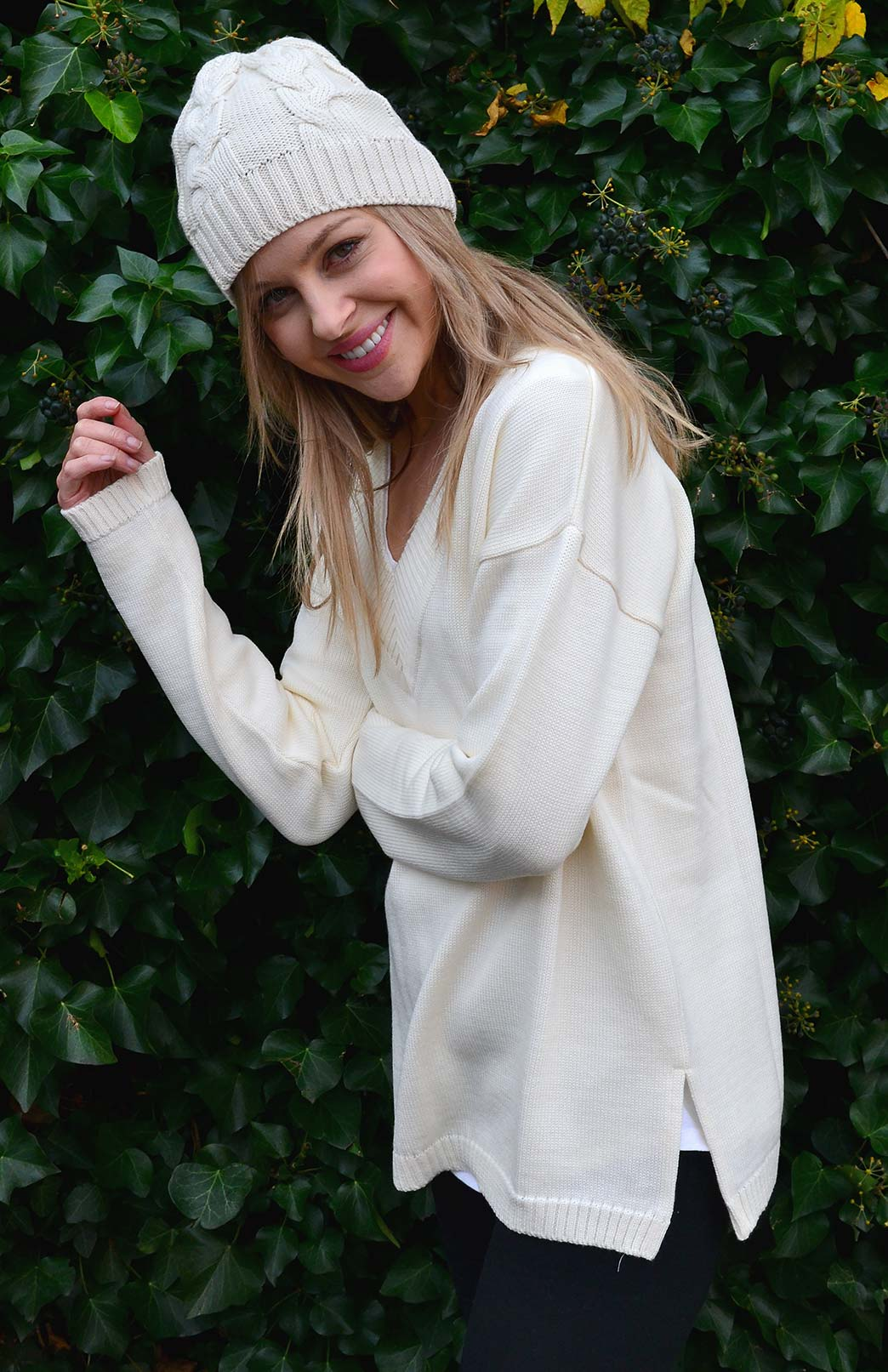 V-Neck Sweater - Women's Cream V-Neck Chunky Knit Merino Wool Sweater with side splits - Smitten Merino Tasmania Australia