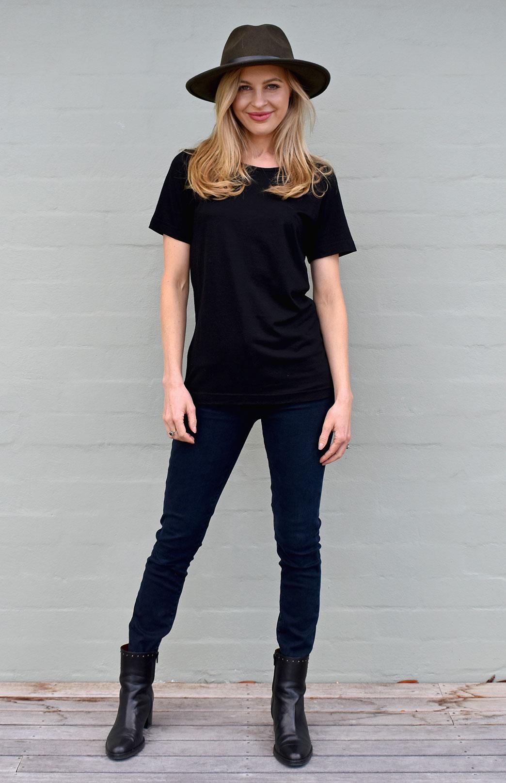 Rubie Top - Women's Pure Merino Wool Black Short Sleeved Round Neck Top - Smitten Merino Tasmania Australia