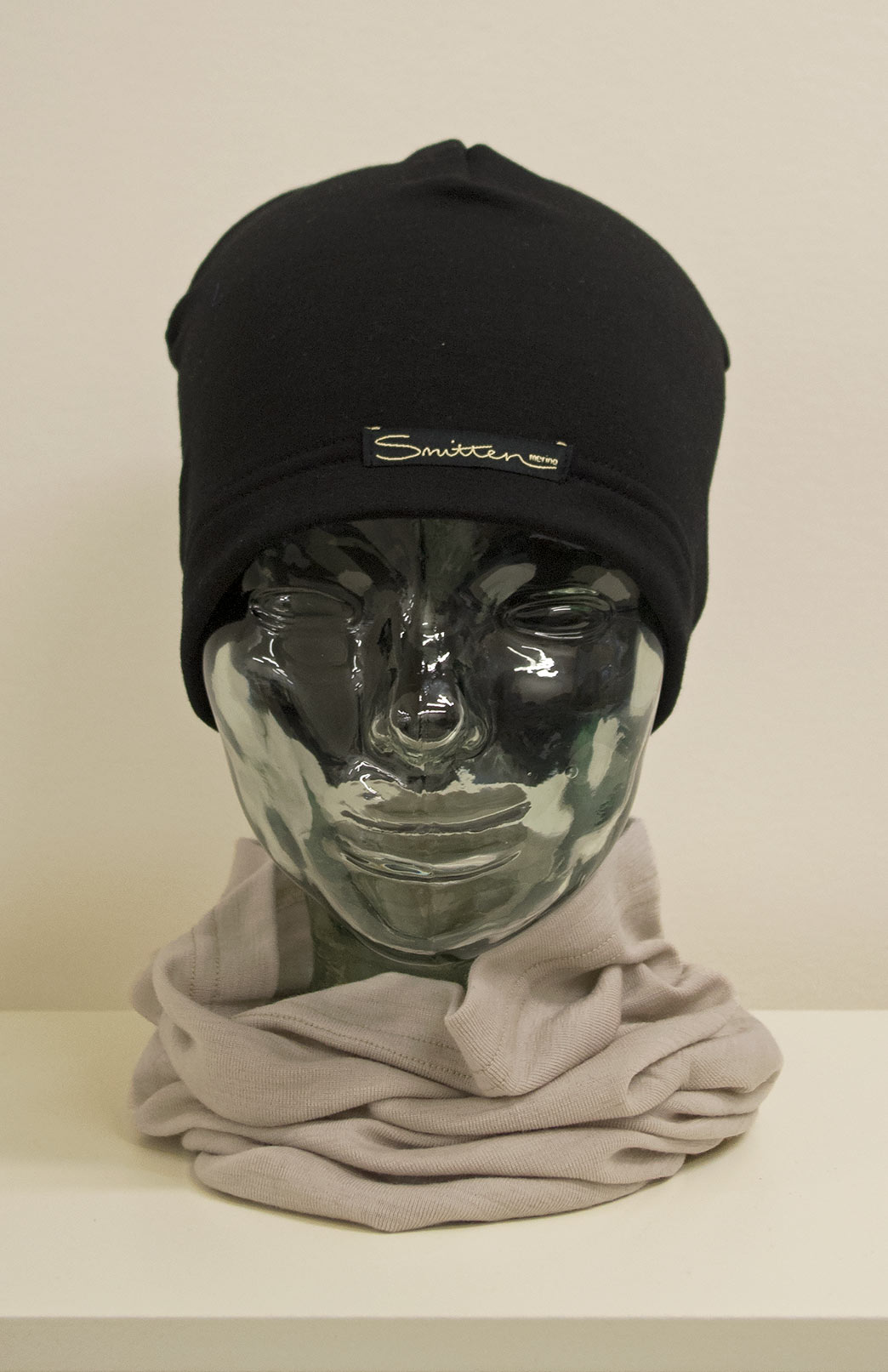 Beanie - Fleece - Unisex Black Merino Wool Fleece Beanie - Smitten Merino Tasmania Australia