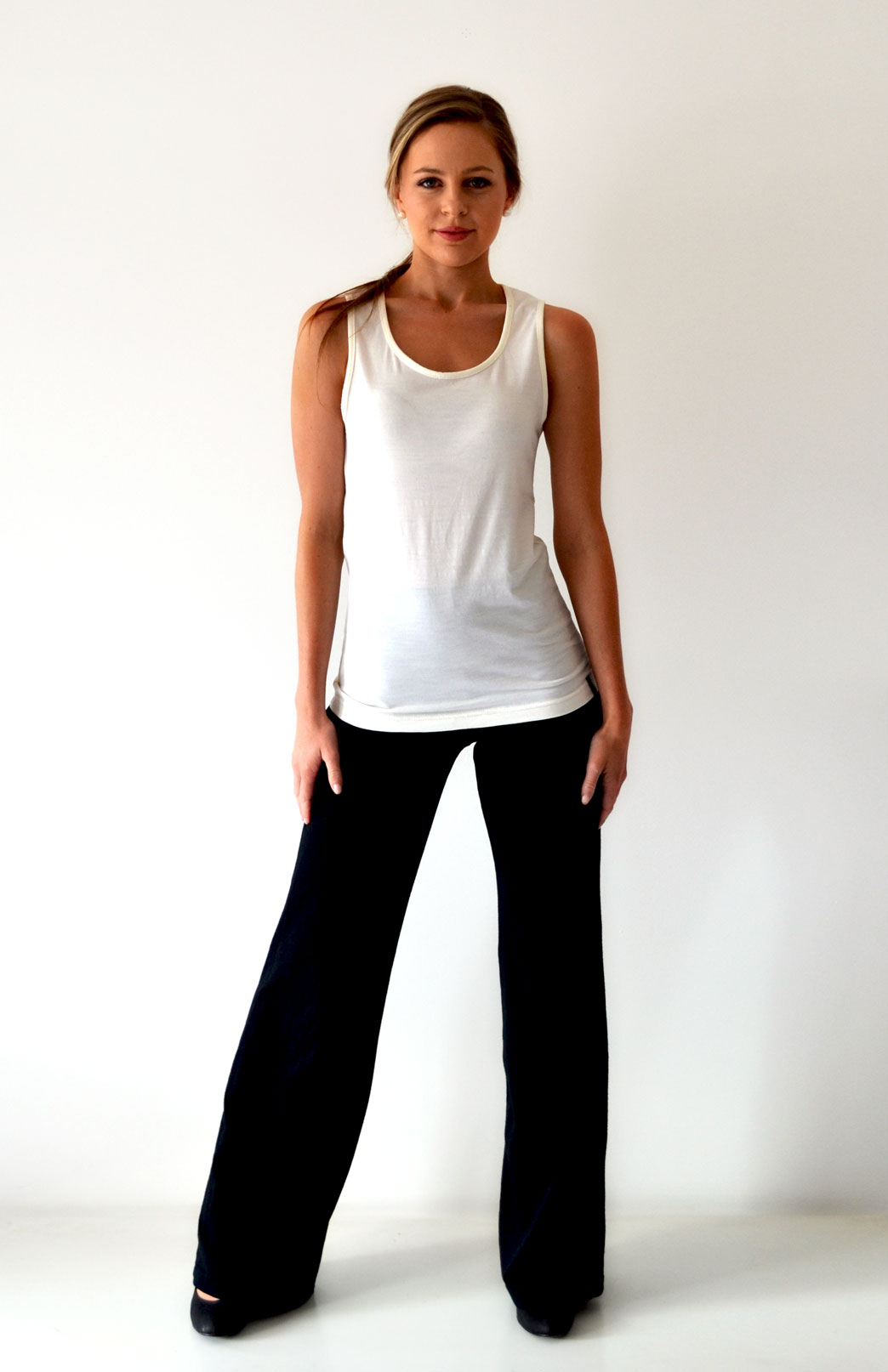 Scoop Neck Top - Sleeveless - Women's Ivory Sleeveless Scoop Neck Wool Top - Smitten Merino Tasmania Australia