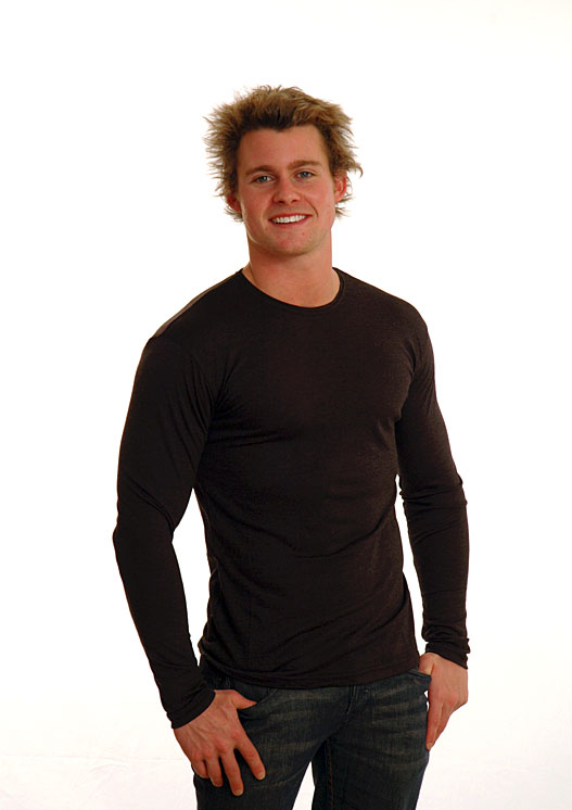 Long Sleeved Crew Neck Top - Mid-weight (~200g) - Men's Black Mid-Weight Thermal Long Sleeved Crew Neck Top in Pull Over Style - Smitten Merino Tasmania Australia