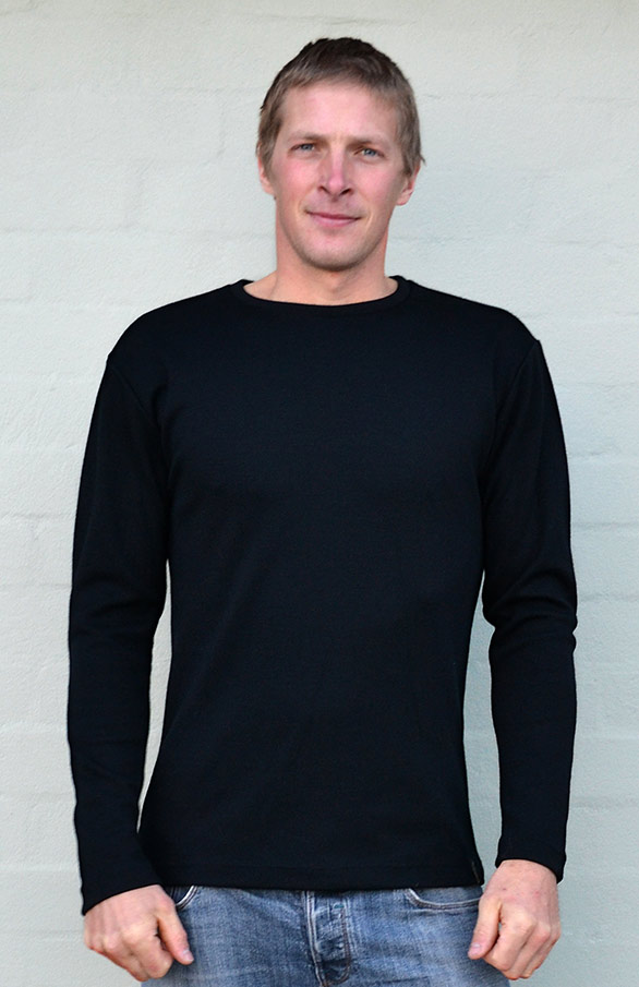 Mens crew neck top - long sleeve - 200g - Smitten Merino Tasmania Australia