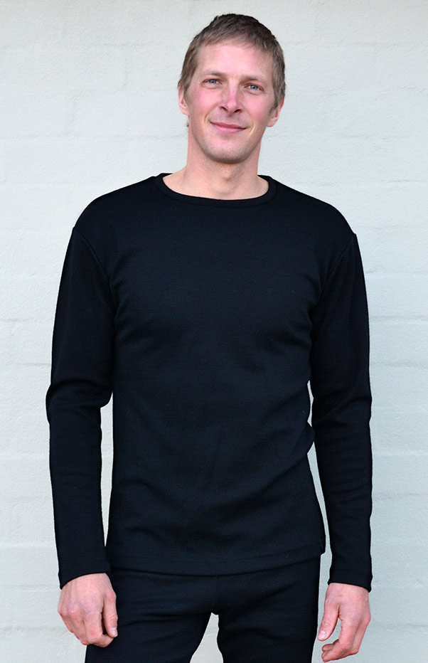 Long Sleeved Crew Neck Top - Heavyweight (~360g) - Men's Pure Merino Wool Black Heavyweight Long Sleeved Thermal Top in Pullover Style - Smitten Merino Tasmania Australia