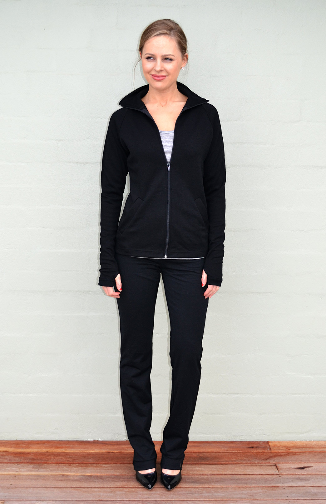 Zip Jacket - Heavyweight (360g) - Women's Merino Wool Black Zip Jacket with full zip and pockets - Smitten Merino Tasmania Australia