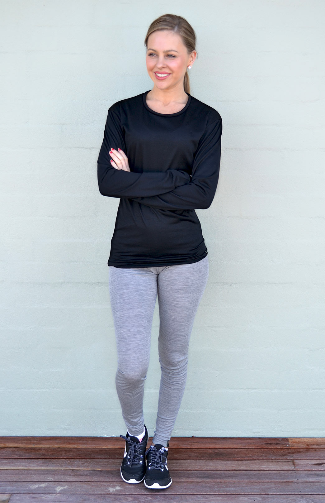 Long Sleeved Crew Neck Top - Lightweight (170g) - Women's Long Sleeved Black Pull Over Style Wool Thermal Top - Smitten Merino Tasmania Australia