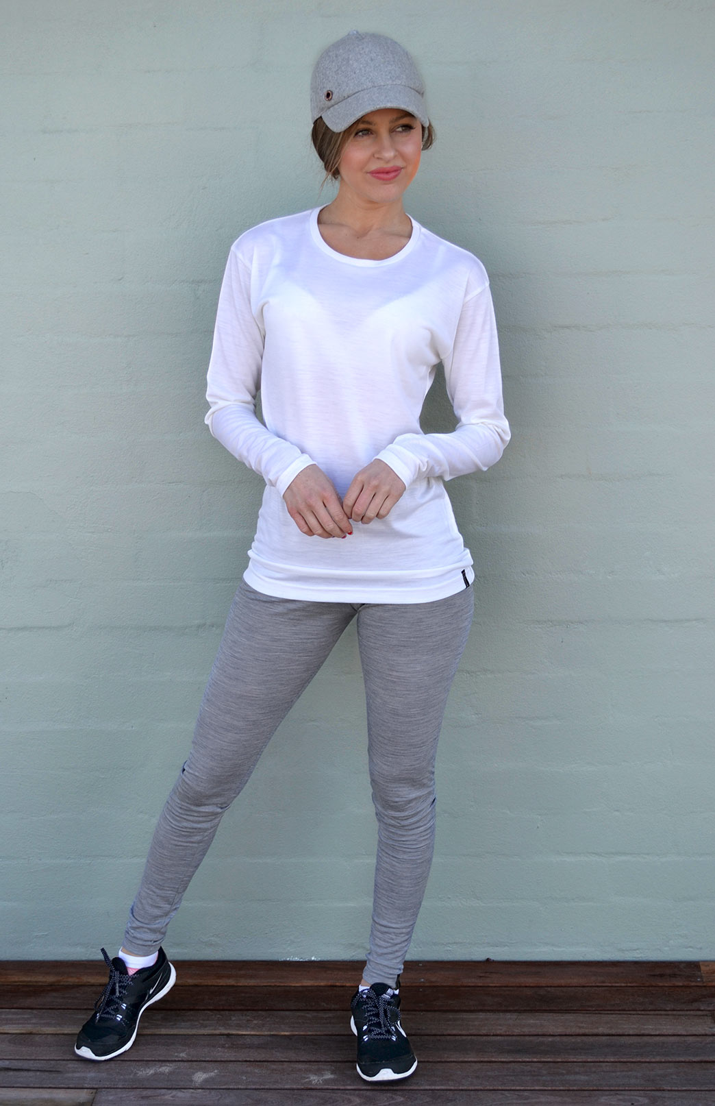 Long Sleeved Crew Neck Top - Lightweight (170g) - Women's Long Sleeved Ivory Pull Over Style Wool Thermal Top - Smitten Merino Tasmania Australia
